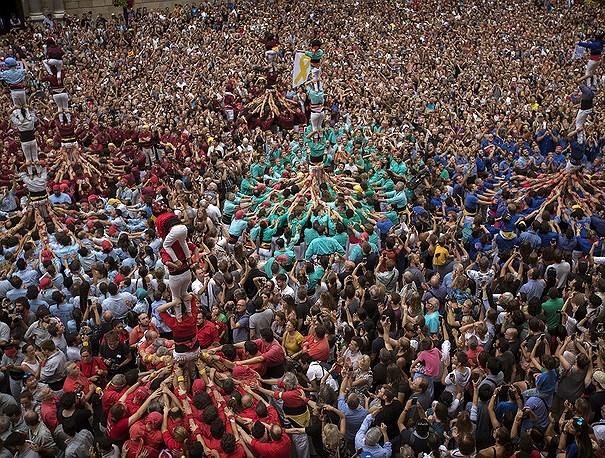 """Ấn tượng với lễ hội xây """"tháp người"""" La Merce ở Barcelona - 1"""