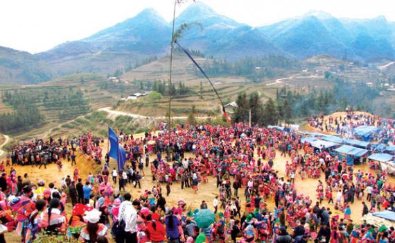 Độc đáo lễ hội Gầu Tào của đồng bào H'Mông ở Hà Giang - Báo Thái Bình điện  tử