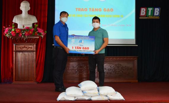 Tỉnh đoàn – Hội Liên hiệp Thanh niên tỉnh tiếp nhận 1 tấn gạo phục vụ công tác phòng, chống dịch Covid-19
