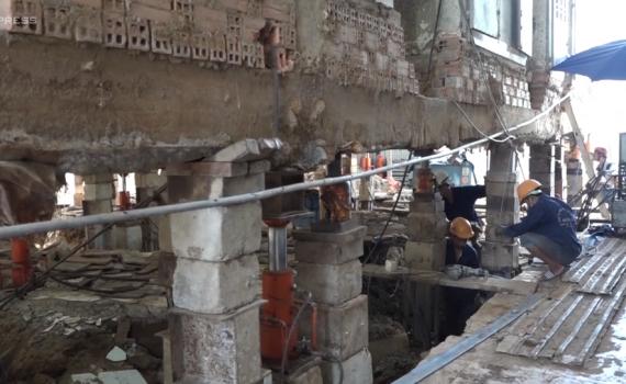 Thần đèn' nâng nhà thờ nặng hơn 5.500 tấn lên cao 2 mét - Báo Thái ...